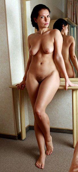 nackte-Frau-beim-Fickdate